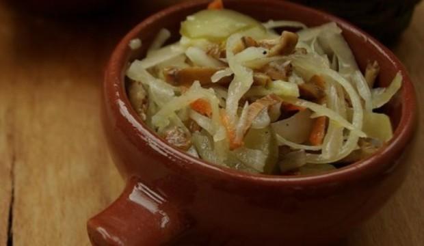 Салат из белых соленых грибов